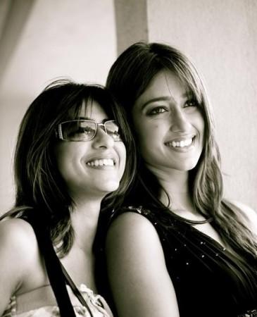 Ileana D'Cruz (R) with sister Farrah