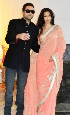 Abhay Deol arrives with fiance Preeti Desai at Esha Deol's wedding. (Facebook)
