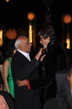 Yash Chopra at Amitabh Bachchan's Birthday party