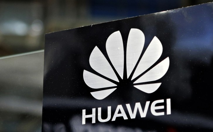 Huawei P9 hands-on images leak online; shows several key features of the phone