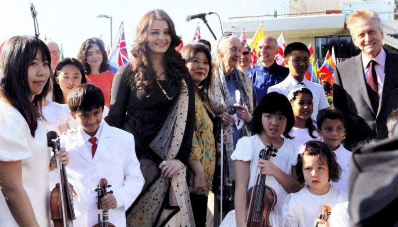 Aishwarya Rai Bachchan with Micheal Douglas