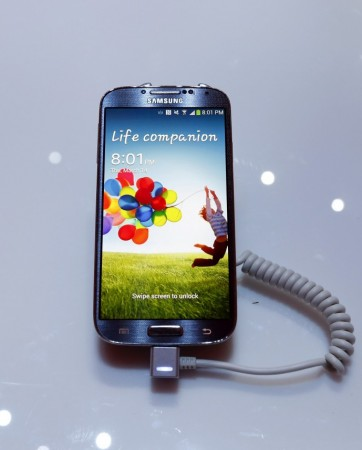 how to clear all cached data on galaxy s4