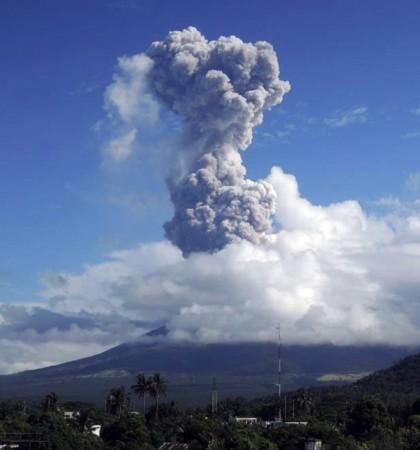 Mount Rokatenda's Volcanic Eruption Kills 6 People in Sleep (Representational Image)