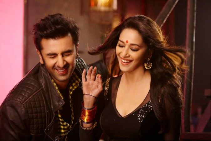 "Madhuri Dixit and Ranbir Kapoor in item song ""Ghagra"" (FACEBOOK)"