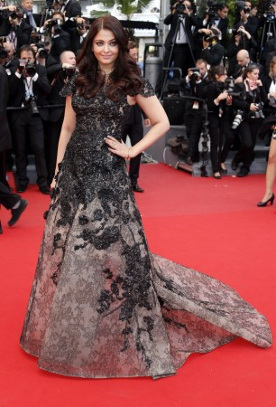 "Indian actress Aishwarya Rai poses on the red carpet as she arrives for the screening of the film ""Inside Llewyn Davis"" in competition during the 66th Cannes Film Festival in Cannes May 19, 2013. REUTERS"