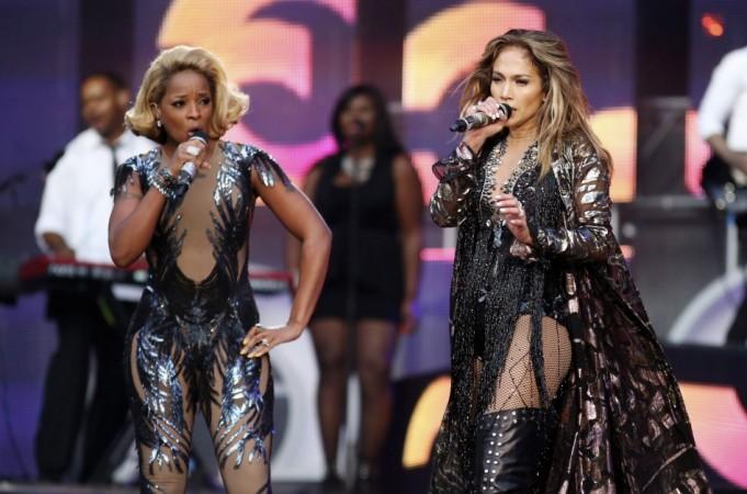 Mary J. Blige (L) and Jennifer Lopez
