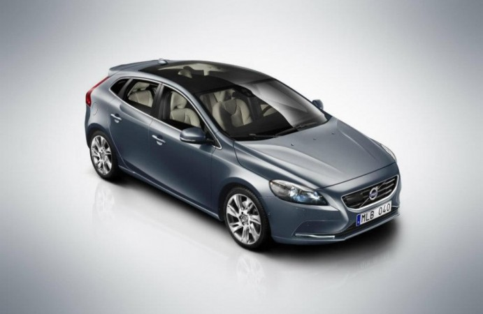 Volvo Drives  V40 Cross Country To India