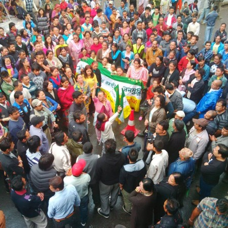 Thousands Gorkhaland supporters poured out on the streets of Darjeeling