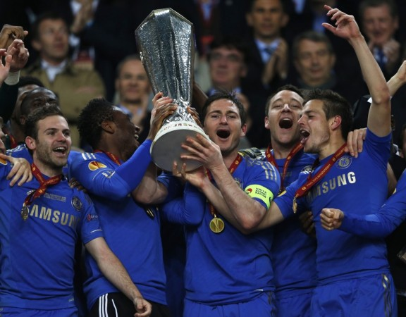 Chelsea lifting Europa League trophy.