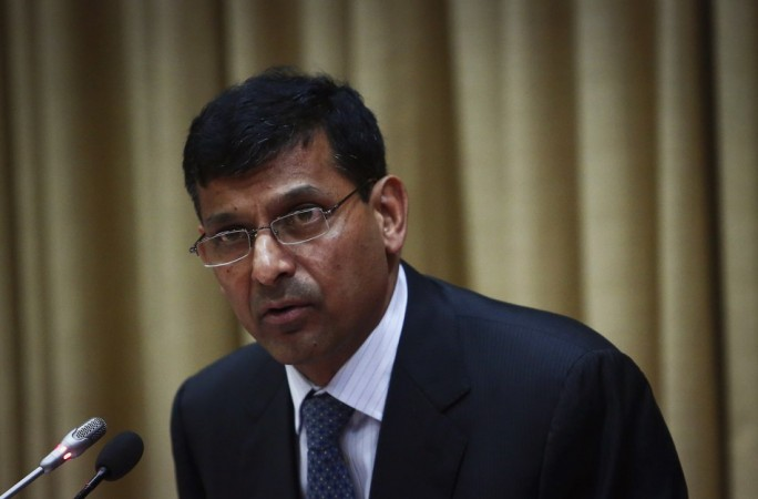 Raghuram Rajan addresses a news conference at the bank's headquarters in Mumbai. (Reuters)