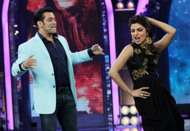 Salman and Priyanka dance it out (photo Varinder Chawla)