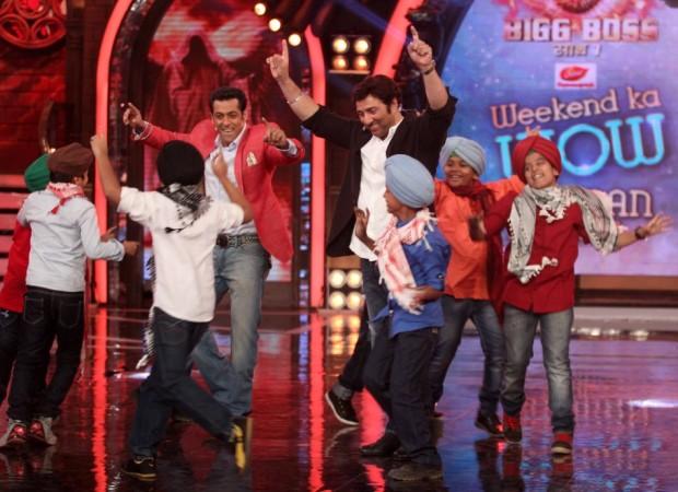 Salman Khan and Sunny Deol Dance Bhangra on the BB7 (photo Varinder Chawla)