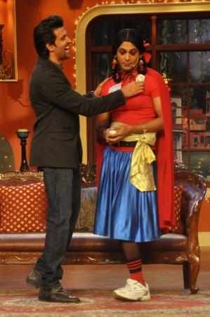 """Hrithik Roshan with Sunil Grover's """"Gutthi"""""""