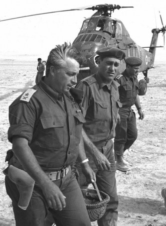Israel's Maj. Gen. Ariel Sharon (left) with Maj. Gen. Yeshayahu Gavish in the Negev Desert in Israel on June 1, 1967. Sharon rose through the ranks and, during the Six-Day War in 1967, led the crucial armored division that stormed through the Sinai Peninsula./File Photo:Reuters