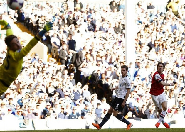 Rosicky Arsenal Tottenham Lloris Vertonghen