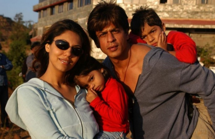 Shah Rukh Khan with wife Gauri, daughter Suhana and son Aryan