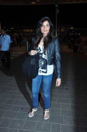 Richa Chadda is all smiles as she leaves for IIFA