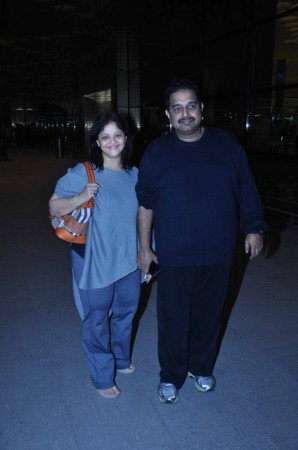 Shankar Mahadevan spotted with wife Sangeeta