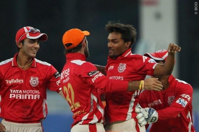 Sandeep Sharma Maxwell Kings XI Punjab