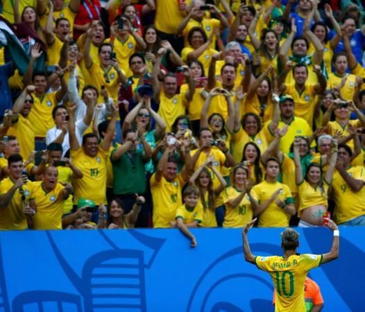 Neymar Brazil crowd