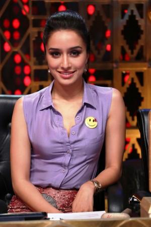 Shraddha Kapoor while promoting 'Ek Villain' on 'Entertainment Ke Liye Kuch Bhi Karega'