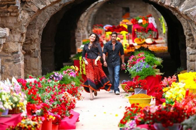 'Kuch Toh Hua Hai' between Ajay Devgn and Kareena Kapoor Khan