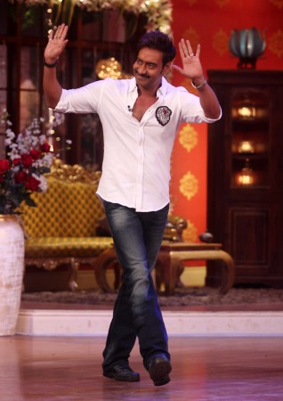Ajay Devgn promotes 'Singham Returns' on 'Comedy Nights With Kapil'