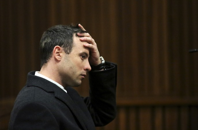 Closing arguments in the murder trial of Oscar Pistorius begin in the Pretoria High Court with the athlete accused of 'deceit'.