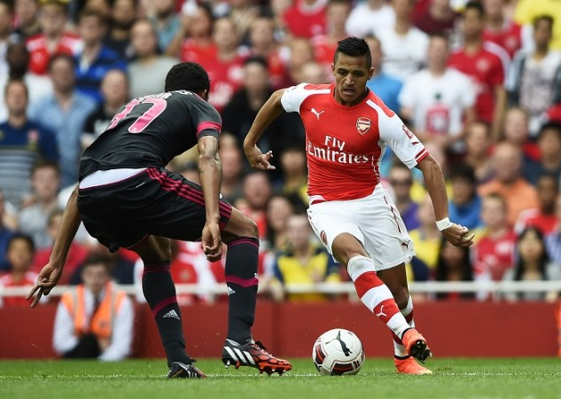Alexis Sanchez Arsenal Benfica Cesar