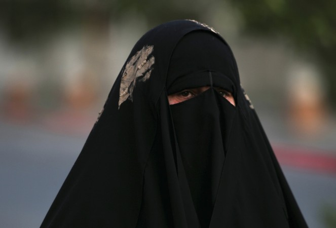 A diplomat in the city of Brussels has reportedly ribbed off the Niqab of a Qatari princess (Sheikhah).