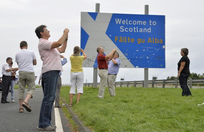 Pranksters have set up fake passport control checkpoints on Scottish border ahead of Thursday's referendum.