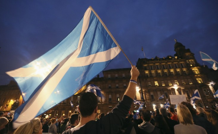 Scottish Referendum: Here is how to follow the poll information live using the best sites, twitter accounts to get the latest voting results.