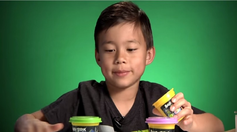 Eight-Year-Old makes $ 1.3 million per year via YouTube videos