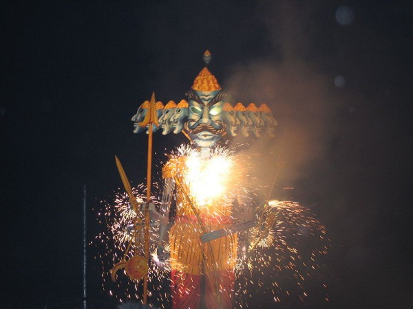 Dasara 2014: Here is the history, significance and origin of the famous hindu festival 'Vijaya Dashami'.