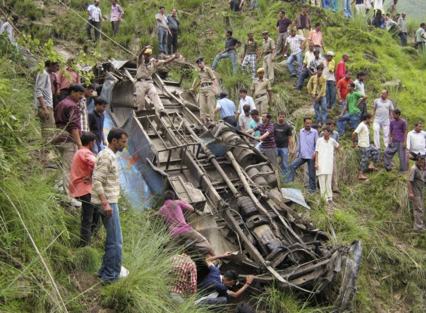 28 killed as bus plunges into gorge in Himachal