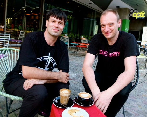 Man books coffee dates with 1088 Facebook Friends