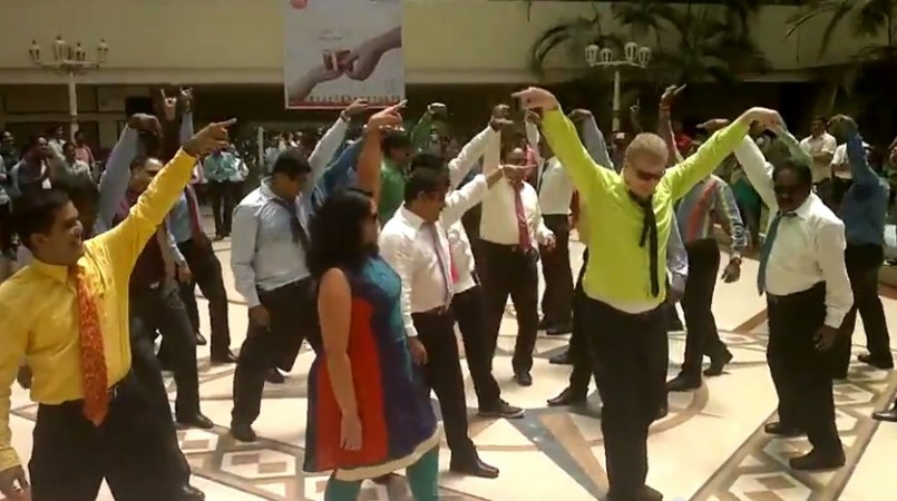 flash mob IT CEOs in Kerala dance to popular songs