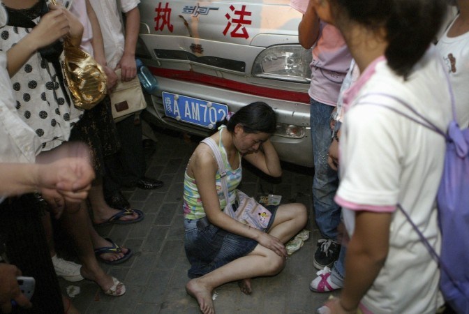 Women Strips Chinese 'Mistress', Beat Her Brutally against Country's 'Concubine Culture'