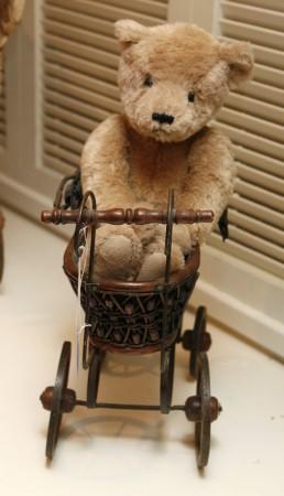 Burglar Had Sex with Teddy Bear during Break-in, Leaves His DNA Behind