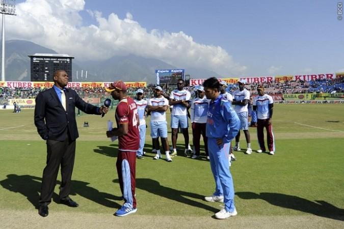 Dwayne Bravo West Indies MS Dhoni India