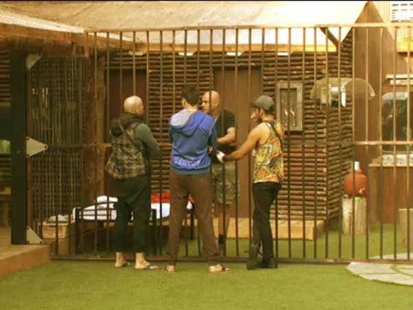 Bigg Boss 8: Puneet Issar Back in House; Arya goes on Hunger Strike to Get Him Out