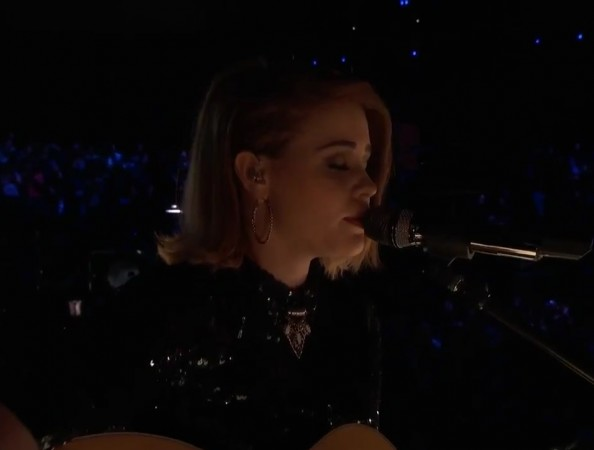 """Reagan James perform """"Try"""" by Colbie Caillat on """"The Voice"""" Season 7"""
