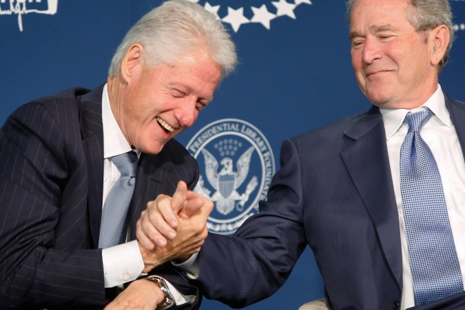 George W Bush and Bill Clinton engage in the friendliest Internet War