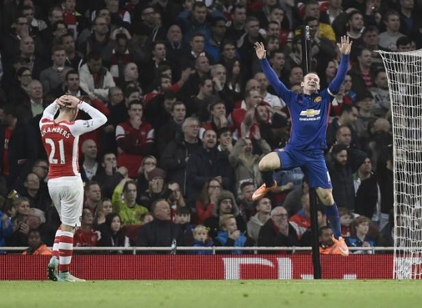 Wayne Rooney Calum Chambers Arsenal Manchester United