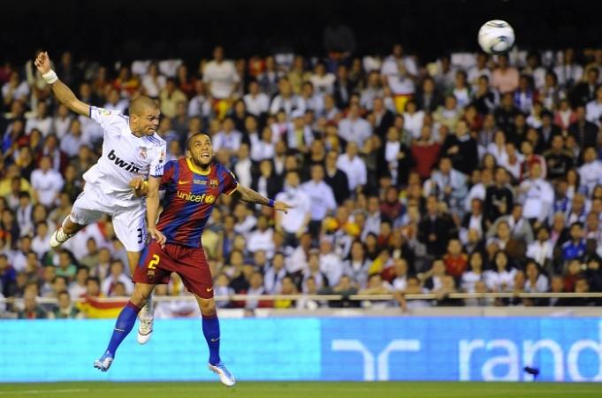 Pepe Real Madrid Dani Alves Barcelona