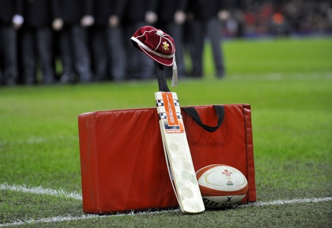 Phil Hughes Australia South Africa Rugby Cricket Bat Cap