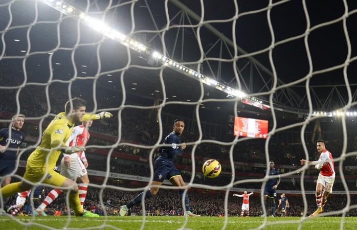 Fraser Forster Southampton Alexis Sanchez Arsenal
