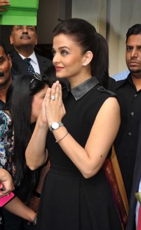 Aishwarya Rai Bachchan Stuns in Black at New Watch Store's Inauguration in Mumbai