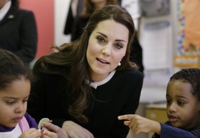 Kids at Harlem Children's Centre Mistakes Kate for Princess Elsa of 'Frozen'