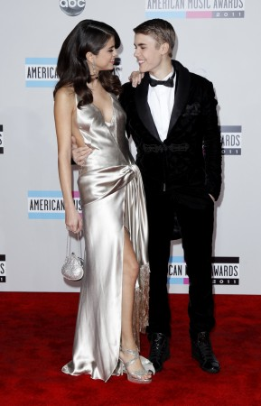 Selena Gomez Wants a Promise Ring to Get Back with Justin Bieber?
